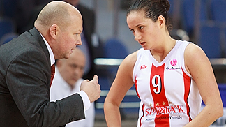 Sparta&Ks Nika Baric takes advice from head coach Alexander Vasin